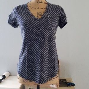Gap V Neck T-shirt Size S
